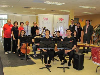 2013年5月29日明報:多倫多中樂團舉辦「楓華正茂20年」演奏會